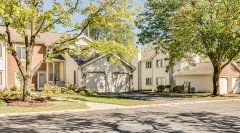 Manors-of-Hinsdale-Condominium-Association-12.jpg